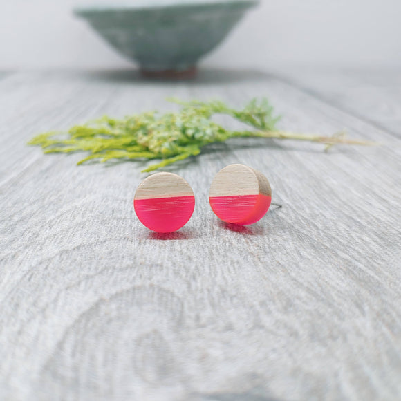 Wood and Hot Pink Resin Colourful Stud Earrings - Round
