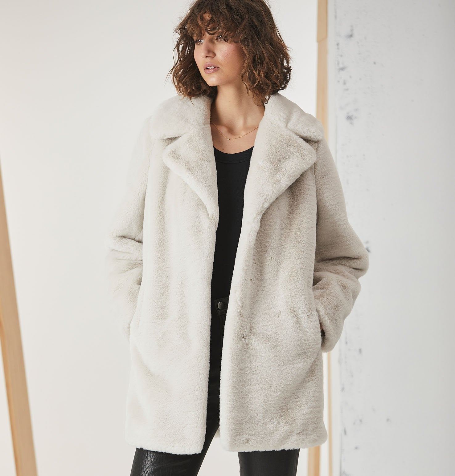 MINIMALIST FAUX FUR JACKET - BONE - ENA PELLY