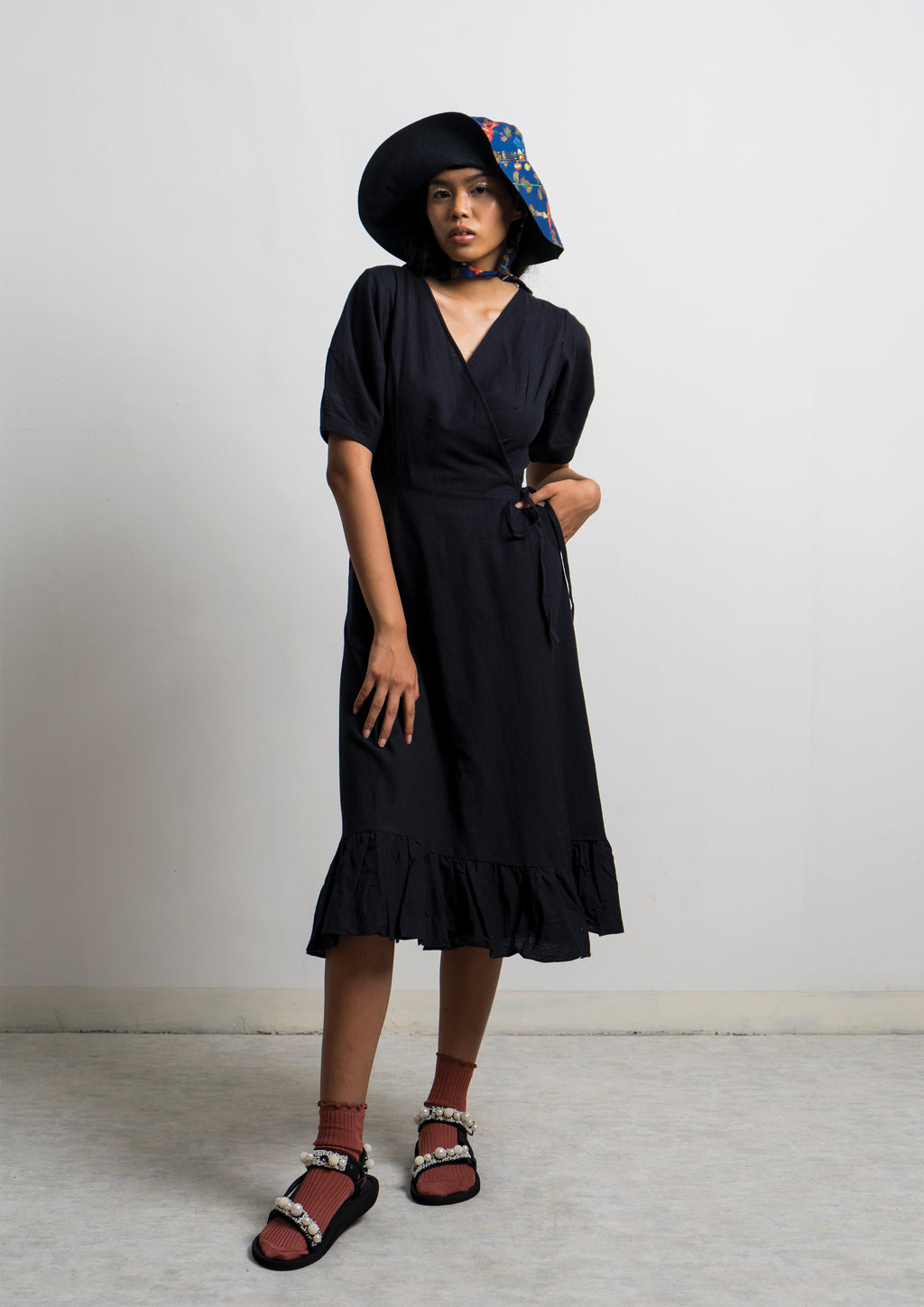 AMANITA WRAP DRESS - Licorice