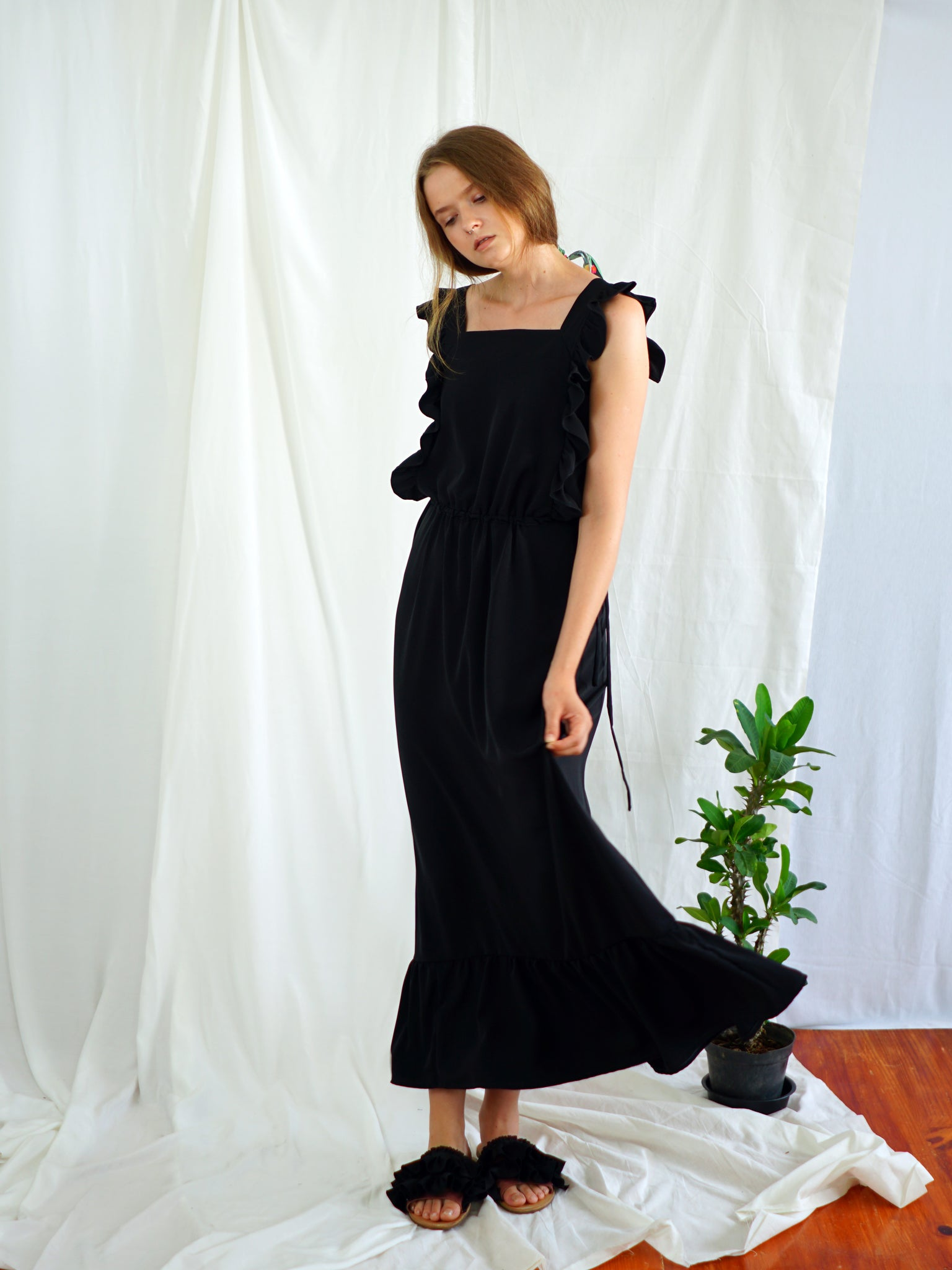 BLACK ASTER MAXI DRESS