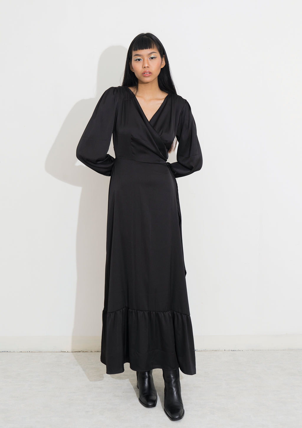 LISSE WRAP MAXI DRESS - Licorice