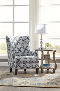 LAVERNIA Traditional Chair