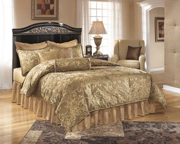 CONSTELLATIONS Traditional Panel Bed