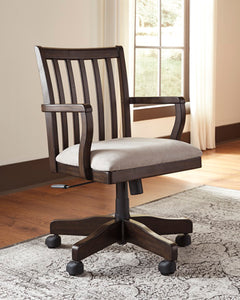 TOWNSER Traditional Office Chair