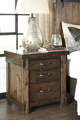 LAKELEIGH Casual Three Drawer Nightstand