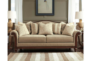 BERWYN VIEW Traditional Sofa