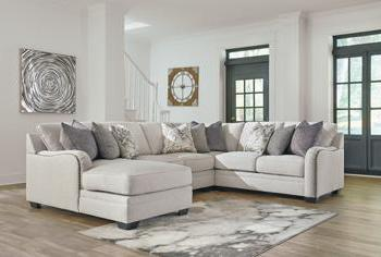 DELLARA Casual Sectional (W/ Laf Chaise)