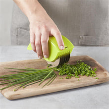 Load image into Gallery viewer, 1pc Herb, Green Onion Rolling Cutter