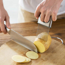 Load image into Gallery viewer, Stainless Steel Onion Holder, Cutting Guide