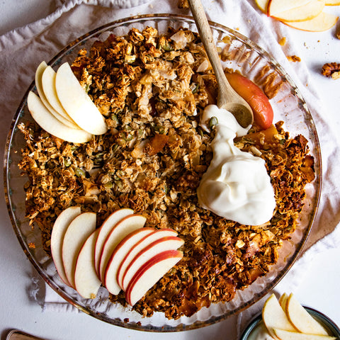 Easy Vegan Apple and Granola Crumble