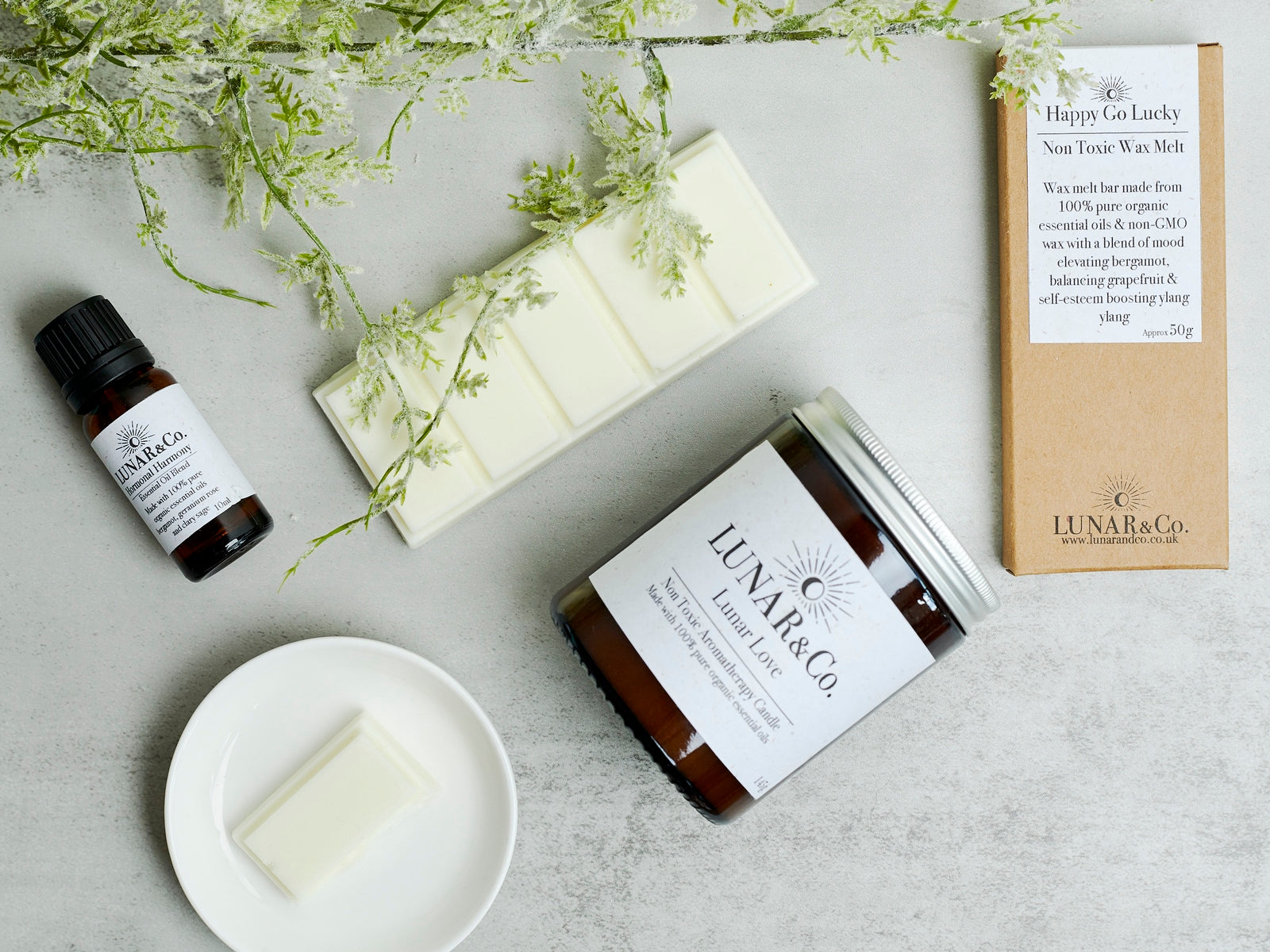 Lunar&Co. aromatherapy candles and essential oils