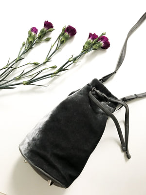 Thora Mini Bucket Bag - thegoodtrend