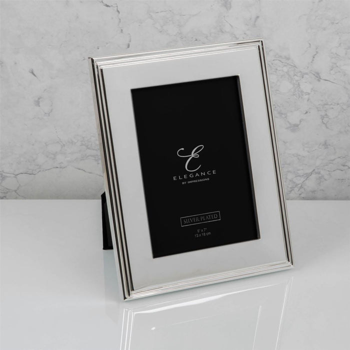 Elegance By Impressions Silverplated Rib Edge Premium Photo Frame with Gift Box