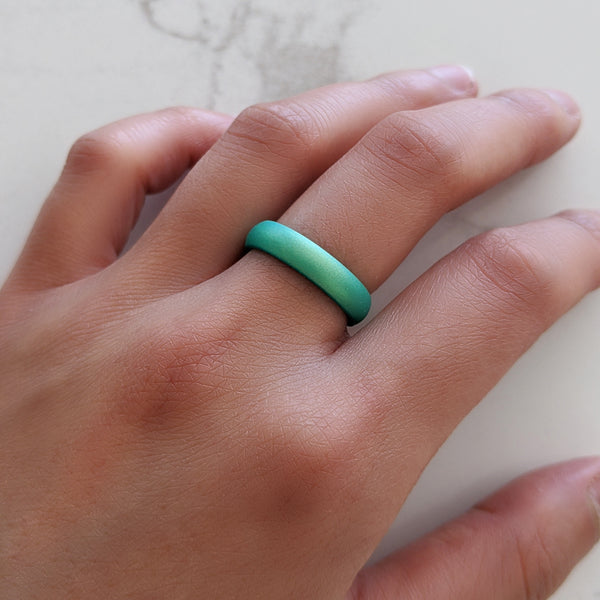 St. Patrick's Day Lucky Clover Silicone Ring in Emerald Green Engraved