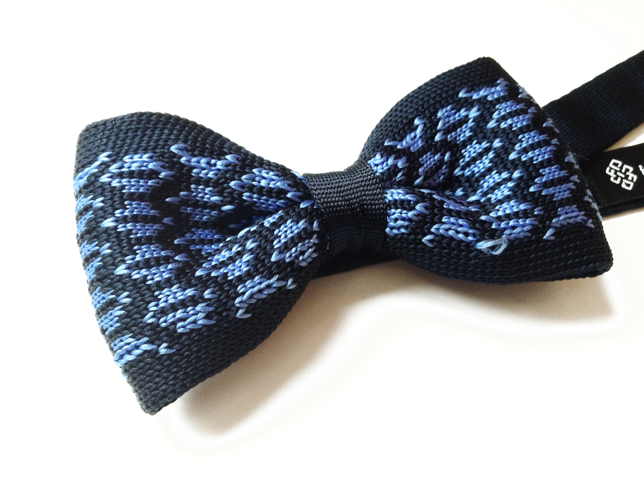 Blue Knitted Pre-tied Bow Tie