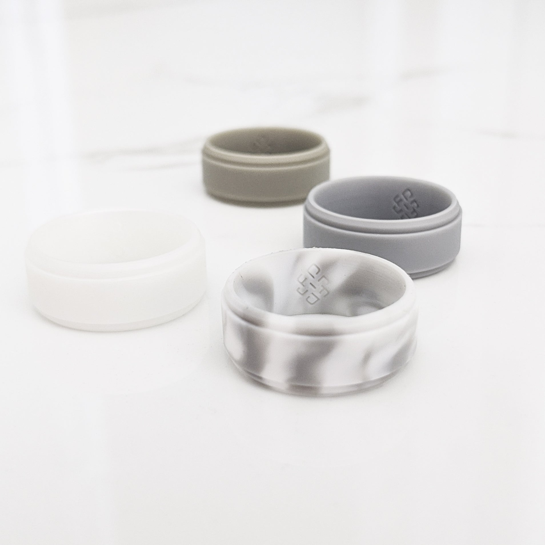 Light Grey Step Edge Silicone Ring Man