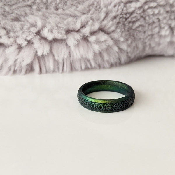 Celtic Knot Engraved Silicone Ring in Northern Lights
