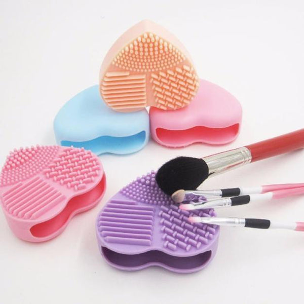 Heart-shaped Silicone Egg Makeup Brush Cleaning Tool - The Trendinator