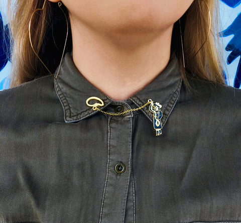 Style pins on shirt collar
