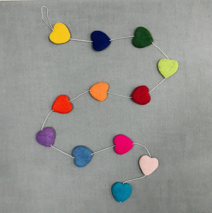 TWR Mutli-Color Hearts Garland