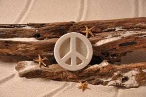 PEACE SIGN, PEACE SYMBOL, PEACE, SAND MAGNET, TROPICAL DECORATIONS, COASTAL MAGNET, BEACH COTTAGE ORNAMENTATION, MADE IN FLORIDA, BEACH LOVER GIFTS, BEACH SAND KEEPSAKES, VACATION SOUVENIR, GIFT SHOP OWNERS, PROMOTIONAL ITEMS, PARTY FAVOR, SPECIAL EVENT, COLLECTIBLES, HAND-CRAFTED, FUNDRAISER, THREE-DIMENSIONAL, MAGNET
