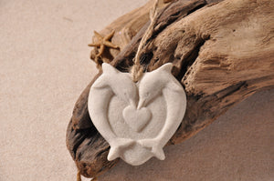 DOLPHINS HEART ORNAMENT, DOLPHINS, HEART, SAND ORNAMENT, TROPICAL SEASIDE ORNAMENT, COASTAL BEACH GIFT, MADE IN FLORIDA, BEACH LOVER GIFTS, BEACH SAND KEEPSAKES, VACATION SOUVENIR, GIFT SHOP OWNERS, PROMOTIONAL ITEMS, PARTY FAVOR, SPECIAL EVENT, COLLECTIBLES, HAND-CRAFTED, FUNDRAISER, BRIDAL SHOWER FAVORS, DESTINATION WEDDING, BEACH WEDDING FAVORS
