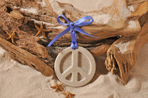 PEACE SIGN, PEACE SIGN ORNAMENT, SAND ORNAMENT, TROPICAL SEASIDE ORNAMENT, COASTAL BEACH GIFT, MADE IN FLORIDA, BEACH LOVER GIFTS, BEACH SAND KEEPSAKES, VACATION SOUVENIR, GIFT SHOP OWNERS, PROMOTIONAL ITEMS, PARTY FAVOR, SPECIAL EVENT, COLLECTIBLES, HAND-CRAFTED, FUNDRAISER, BRIDAL SHOWER FAVORS, DESTINATION WEDDING, BEACH WEDDING FAVORS