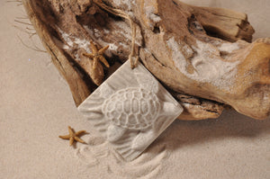 SEA TURTLE ORNAMENT, TURTLE SAND ORNAMENT, TROPICAL SEASIDE ORNAMENT, COASTAL BEACH GIFT, MADE IN FLORIDA, BEACH LOVER GIFTS, BEACH SAND KEEPSAKES, VACATION SOUVENIR, GIFT SHOP OWNERS, PROMOTIONAL ITEMS, PARTY FAVOR, SPECIAL EVENT, COLLECTIBLES, HAND-CRAFTED, FUNDRAISER, BRIDAL SHOWER FAVORS, DESTINATION WEDDING, BEACH WEDDING FAVORS