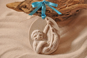 SLOTH ORNAMENT, SLOTH SAND ORNAMENT, TROPICAL SEASIDE ORNAMENT, COASTAL BEACH GIFT, MADE IN FLORIDA, BEACH LOVER GIFTS, BEACH SAND KEEPSAKES, VACATION SOUVENIR, GIFT SHOP OWNERS, PROMOTIONAL ITEMS, PARTY FAVOR, SPECIAL EVENT, COLLECTIBLES, HAND-CRAFTED