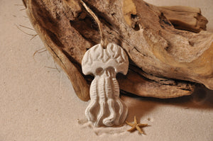 JELLYFISH ORNAMENT, SAND ORNAMENT, TROPICAL SEASIDE ORNAMENT, COASTAL BEACH GIFT, MADE IN FLORIDA, BEACH LOVER GIFTS, BEACH SAND KEEPSAKES, VACATION SOUVENIR, GIFT SHOP OWNERS, PROMOTIONAL ITEMS, PARTY FAVOR, SPECIAL EVENT, COLLECTIBLES, HAND-CRAFTED, FUNDRAISER, BRIDAL SHOWER FAVORS, DESTINATION WEDDING, BEACH WEDDING FAVORS