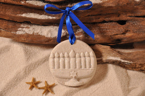 MENORAH, HANUKKAH, HOLIDAY GIFT, SEASONAL DÉCOR, HOLIDAY ORNAMENT, SAND ORNAMENT, TROPICAL SEASIDE ORNAMENT, COASTAL BEACH GIFT, MADE IN FLORIDA, BEACH LOVER GIFTS, BEACH SAND KEEPSAKES, VACATION SOUVENIR, GIFT SHOP OWNERS, PROMOTIONAL ITEMS, PARTY FAVOR, SPECIAL EVENT, COLLECTIBLES, HAND-CRAFTED, FUNDRAISER