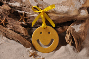 SMILEY FACE ORNAMENT, SMILEY FACE SAND ORNAMENT, TROPICAL SEASIDE ORNAMENT, COASTAL BEACH GIFT, MADE IN FLORIDA, BEACH LOVER GIFTS, BEACH SAND KEEPSAKES, VACATION SOUVENIR, GIFT SHOP OWNERS, PROMOTIONAL ITEMS, PARTY FAVOR, SPECIAL EVENT, COLLECTIBLES, HAND-CRAFTED, FUNDRAISER, BRIDAL SHOWER FAVORS
