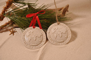 PEACE ON EARTH ORNAMENT, CHRISTMAS, XMAS, HOLIDAY GIFT, SEASIDE CHRISTMAS, CHRISTMAS ORNAMENT, SEASONAL DÉCOR, HOLIDAY ORNAMENT, SAND ORNAMENT, TROPICAL SEASIDE ORNAMENT, COASTAL BEACH GIFT, MADE IN FLORIDA, BEACH LOVER GIFTS, BEACH SAND KEEPSAKES, VACATION SOUVENIR, GIFT SHOP OWNERS, PROMOTIONAL ITEMS, PARTY FAVOR, SPECIAL EVENT, COLLECTIBLES, HAND-CRAFTED, FUNDRAISER