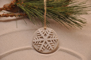 SNOWFLAKE, WINTER SNOWFLAKE, CHRISTMAS, XMAS, HOLIDAY GIFT, SEASIDE CHRISTMAS, CHRISTMAS ORNAMENT, SEASONAL DÉCOR, HOLIDAY ORNAMENT, SAND ORNAMENT, TROPICAL SEASIDE ORNAMENT, COASTAL BEACH GIFT, MADE IN FLORIDA, BEACH LOVER GIFTS, BEACH SAND KEEPSAKES, VACATION SOUVENIR, GIFT SHOP OWNERS, PROMOTIONAL ITEMS, PARTY FAVOR, SPECIAL EVENT, COLLECTIBLES, HAND-CRAFTED, FUNDRAISER