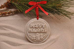 HAPPY HOLIDAYS ORNAMENT, CHRISTMAS, XMAS, HOLIDAY GIFT, SEASIDE CHRISTMAS, CHRISTMAS ORNAMENT, SEASONAL DÉCOR, HOLIDAY ORNAMENT, SAND ORNAMENT, TROPICAL SEASIDE ORNAMENT, COASTAL BEACH GIFT, MADE IN FLORIDA, BEACH LOVER GIFTS, BEACH SAND KEEPSAKES, VACATION SOUVENIR, GIFT SHOP OWNERS, PROMOTIONAL ITEMS, PARTY FAVOR, SPECIAL EVENT, COLLECTIBLES, HAND-CRAFTED, FUNDRAISER