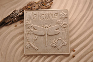 DRAGONFLY PLAQUE, WELCOME PLAQUE, COASTAL WALL DÉCOR, SAND ART, COTTAGE CHIC, WELCOME SIGN, BEACH HOUSE DÉCOR, THREE-DIMENSIONAL, COASTAL BEACH GIFT, MADE IN FLORIDA, BEACH LOVER GIFTS, BEACH SAND KEEPSAKES, VACATION SOUVENIR, GIFT SHOP OWNERS, PROMOTIONAL ITEMS, PARTY FAVOR, SPECIAL EVENT, COLLECTIBLES, HAND-CRAFTED, FUNDRAISER