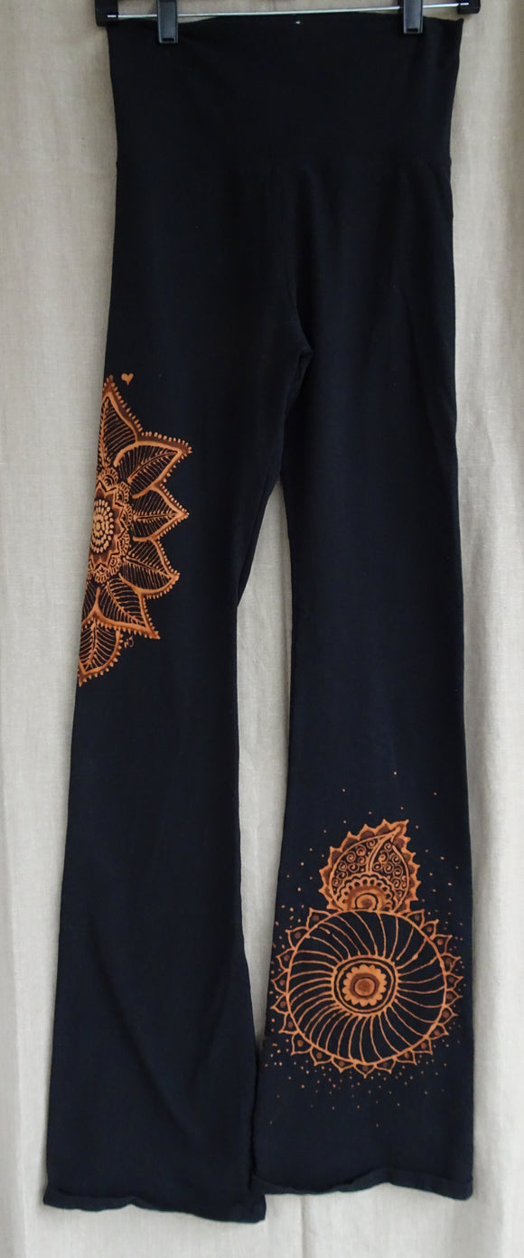 Yoga pants with Mehndi inspired floral design