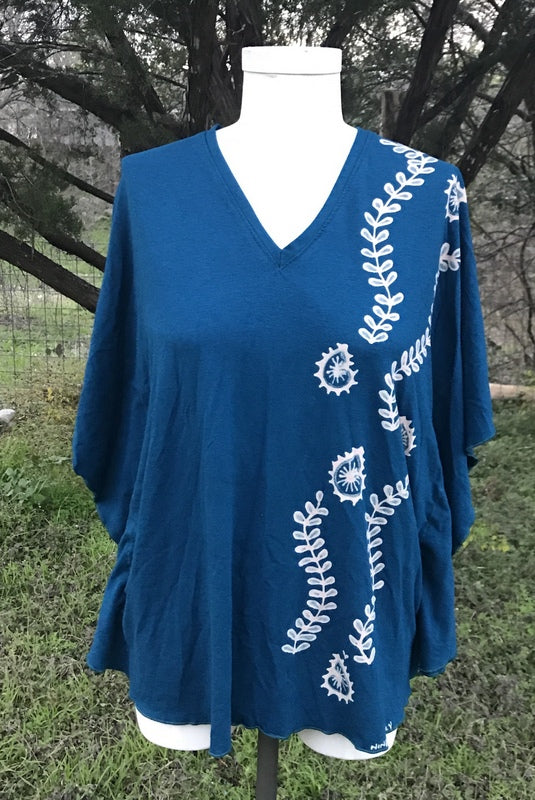 Medium/Large Blue Vine and Paisley Kaftan Top