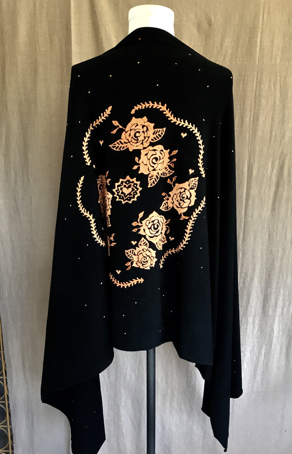 Black Rose Circle Wrap