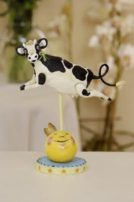 Lori Mitchell, Cow Jumped Over the Moon