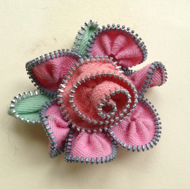 3-tone Floral Zipper Pin!