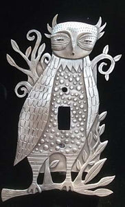 """Horned Owl"" switchplate cover by Leandra Drumm (#127)"