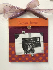 "a.i. paper design hanging ribbon frame ""forever friends"""