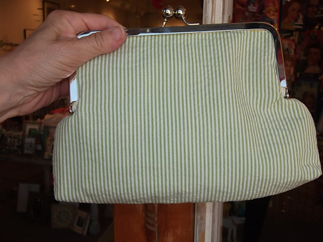 Green Seersucker Pinch Purse!