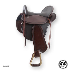 DP Saddlery Comfort Western Startrekk Treeless Saddle