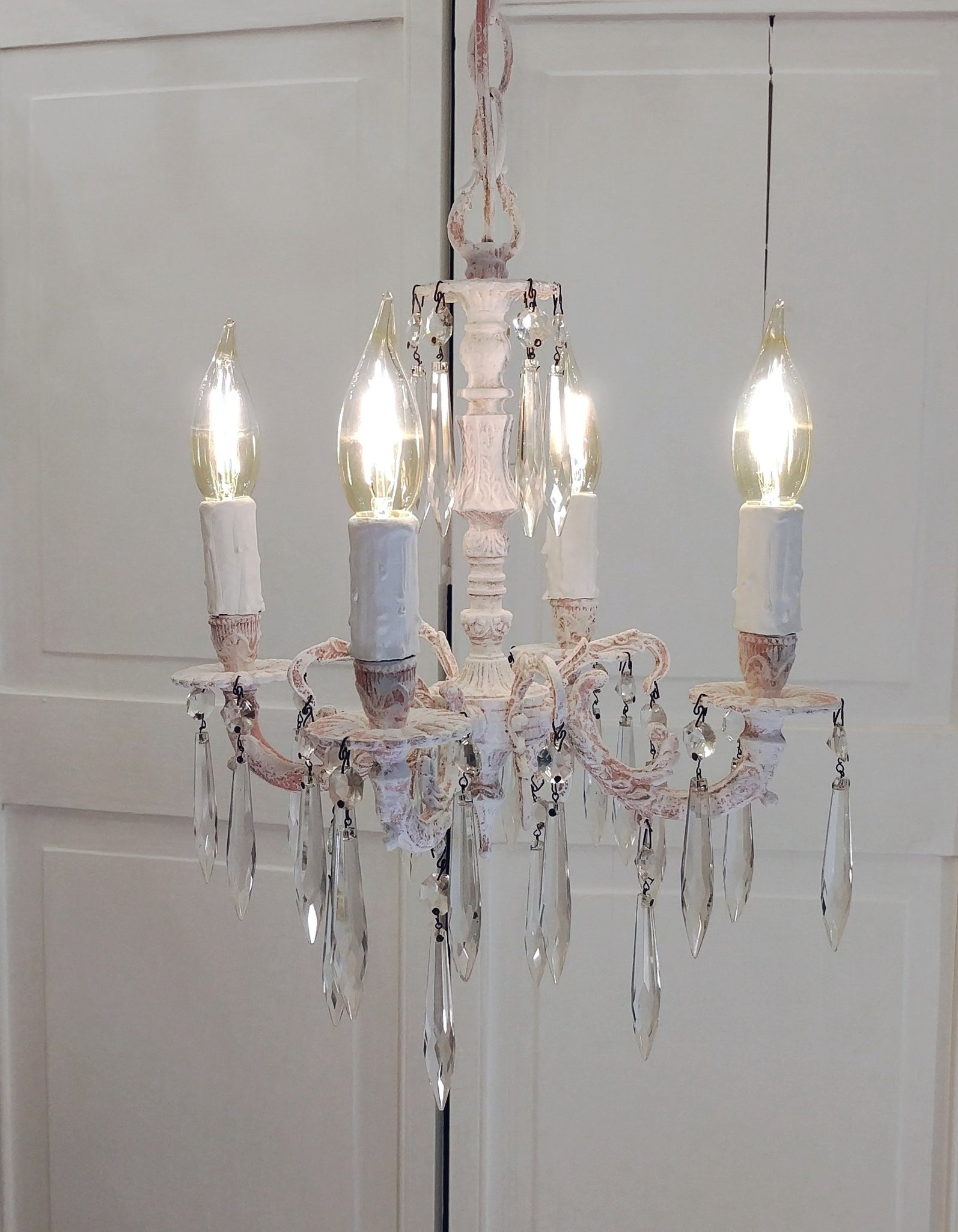 island light maison product chandelier antique kuo country kathy home french chandeliers detail white