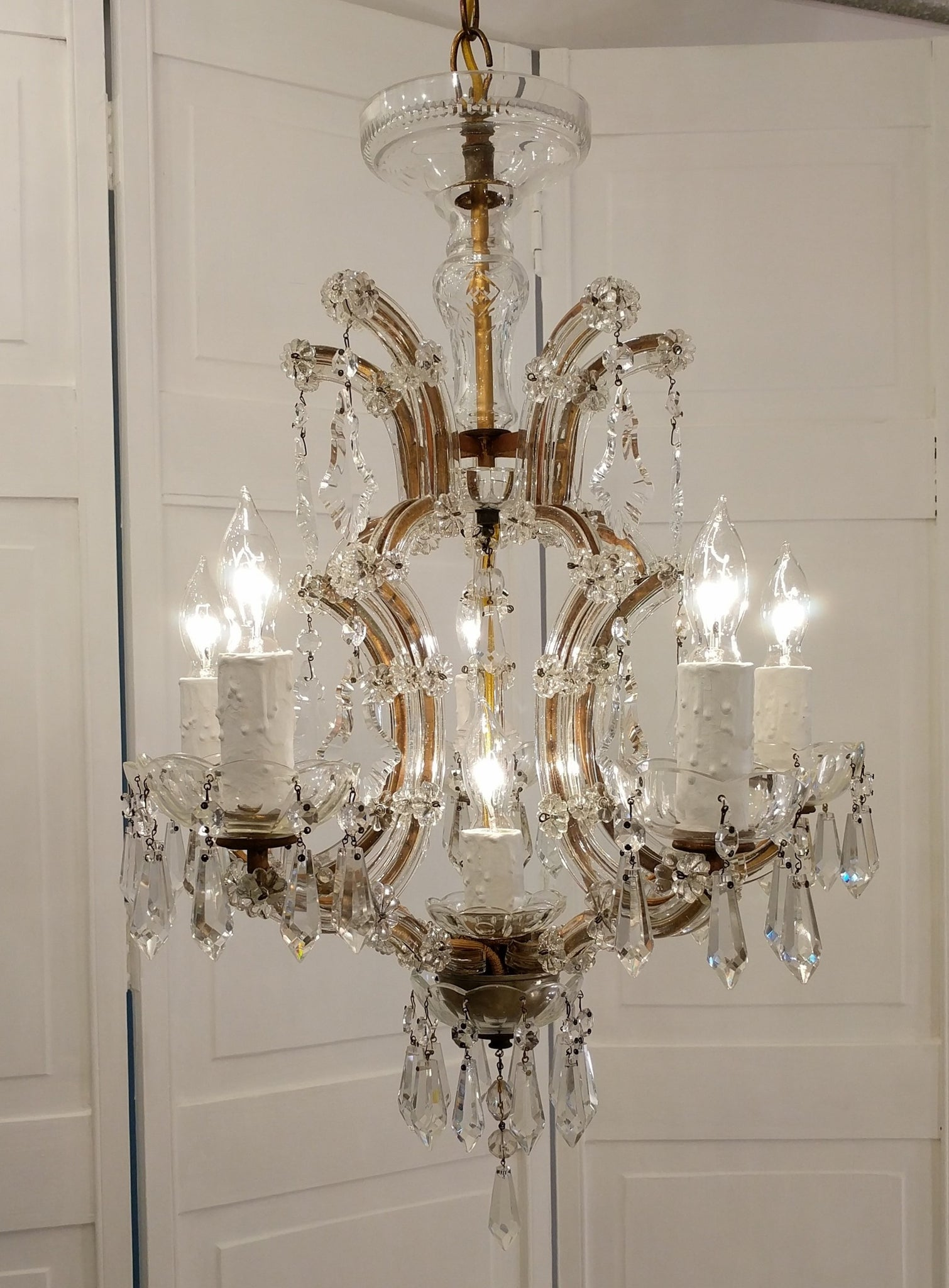 French 1920s marie therese antique chandelier crystal lighting french 1920s marie therese antique chandelier crystal lighting bella arubaitofo Image collections