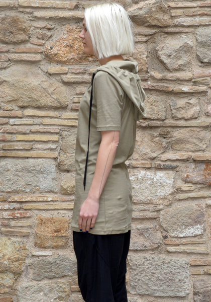 FIRST AID TO THE INJURED LACUNAE HOODED T-SHIRT SAGE 50% Off-Sale -DOSHABURI Online Shop