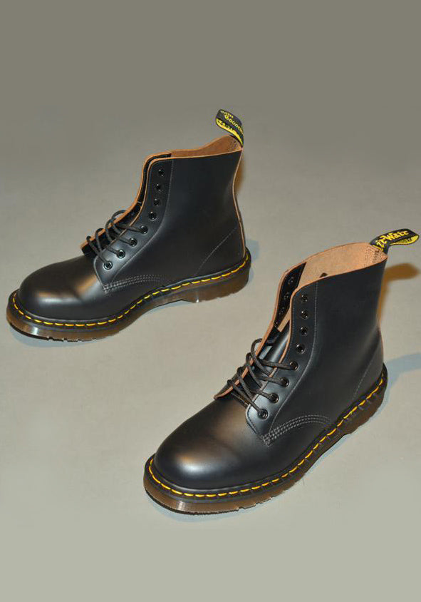 DR. MARTENS VINTAGE 1460 LEATHER BOOTS BLACK QUILON MADE IN ENGLAND