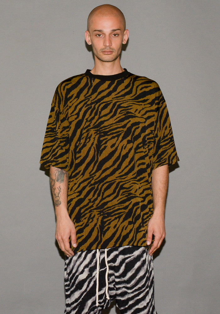 YUIKI SHIMOJI UNISEX SIDE-ZIP TIGER T-SHIRTS - DOSHABURI Shop
